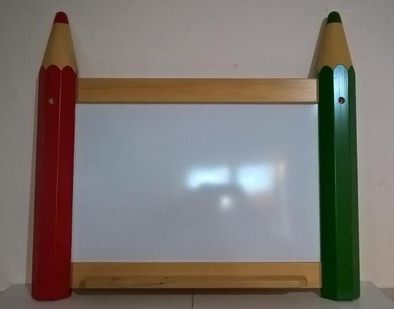 Pastelková nástěnná magnetická tabule malá