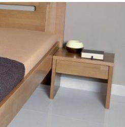 Noční stolek UNI Z buk v interiéru
