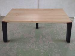 Designový jídelní stůl 3 nohy