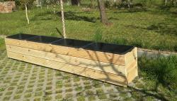 Truhlík se 4 kontejnery vysoký, terasová prkna<br/>zvýšený záhon truhlík se 4 kontejnery vysoký 50cm nebo 60cm vyrobený z terasových prken v bezbarvé lazuře