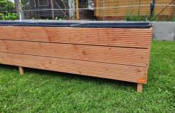 Zvýšený truhlík terasová prkna<br/>Zvýšený truhlík vyrobený z terasových prken bez povrchové úpravy