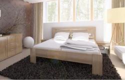 masivní buková postel s vyšší konstrukcí